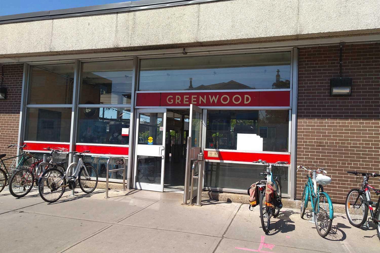 373 Sammon Ave, Toronto E4512019