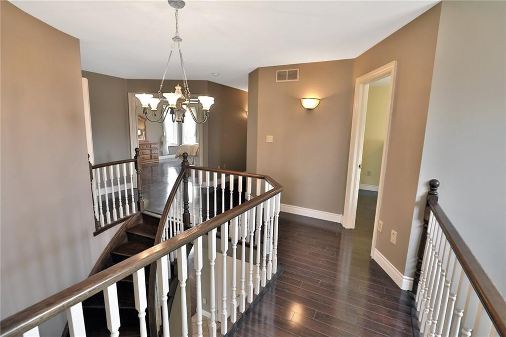 33 OLDOAKES , Ancaster H4025551