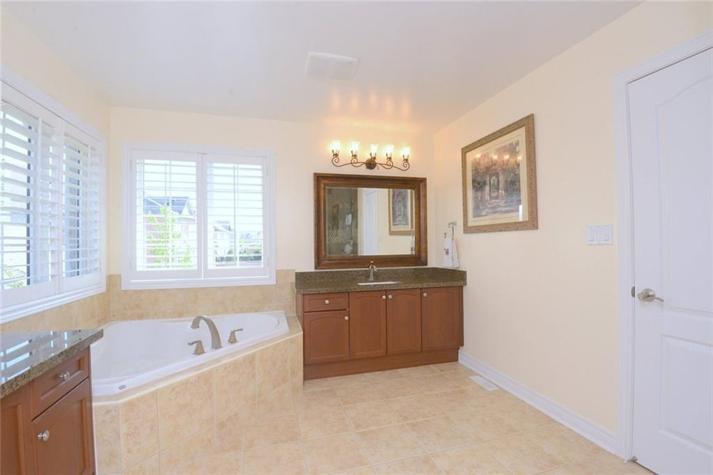 2200 Wuthering Heights , Oakville H4035292