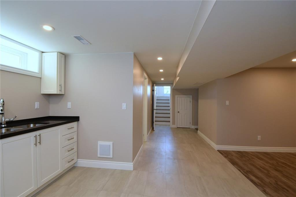 61 Ronaldshay Avenue, Hamilton H4036645