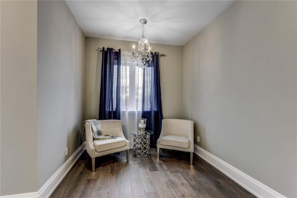 1021 Kent Avenue, Oakville H4050830
