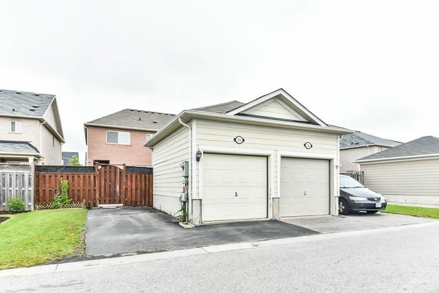 224 Gas Lamp Lane, Markham N3828975