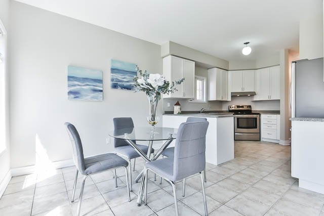 111 Rainbow Valley Cres, Markham N3829639
