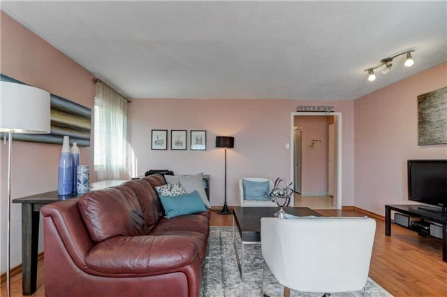 #406 - 21 Elizabeth St S, Richmond Hill N3848060