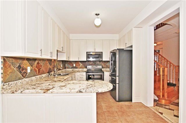 170 Old Colony Rd, Richmond Hill N3993780