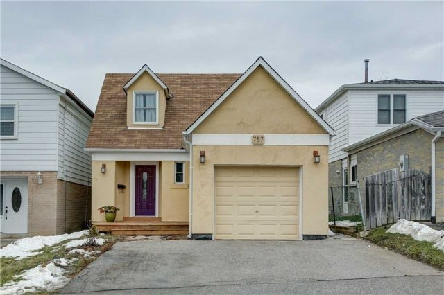 757 Pam Cres, Newmarket N4036032
