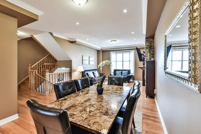 202 Bartsview Circ, Whitchurch-Stouffville N4041734