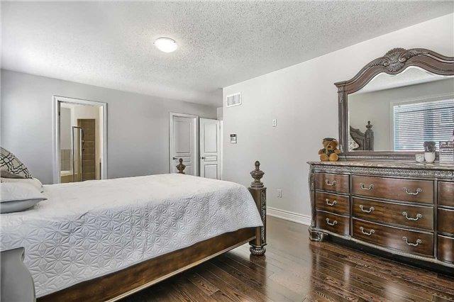130 Silver Maple Rd, Richmond Hill N4145778