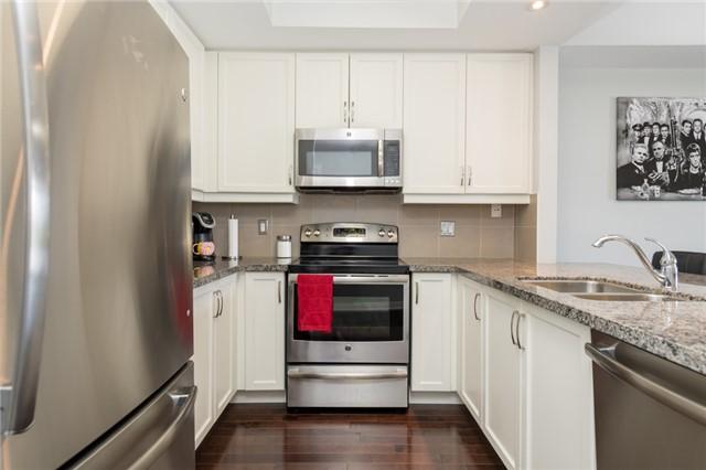 #207 - 2 Briar Hill Hts, New Tecumseth N4153071
