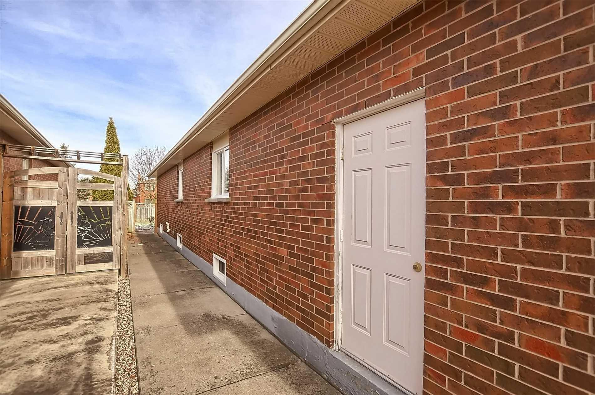 12 Coates Cres, Richmond Hill N4314653