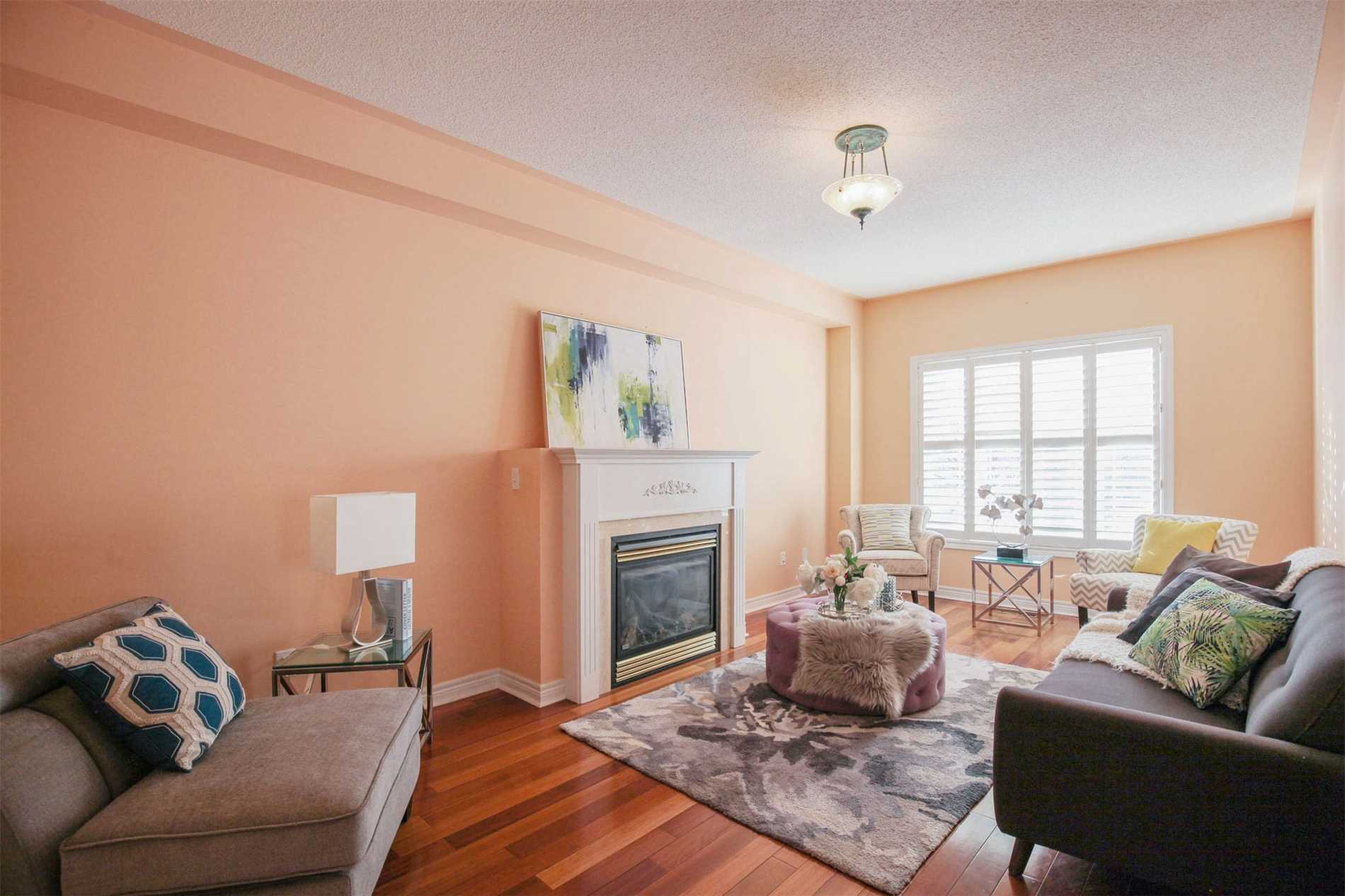 408 Hoover Park Dr, Whitchurch-Stouffville N4382172