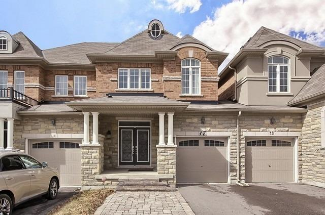 17 Gamble Glen Cres, Richmond Hill N4410544