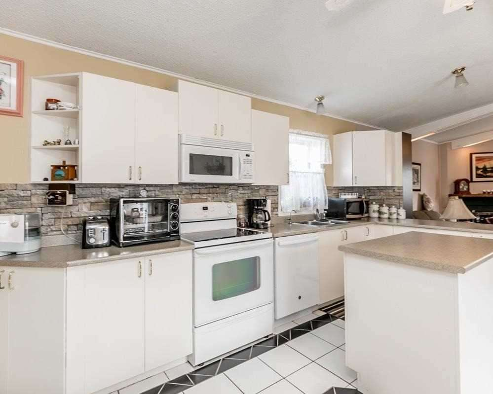 11 Sunrise Circ, Bradford West Gwillimbury N4424458