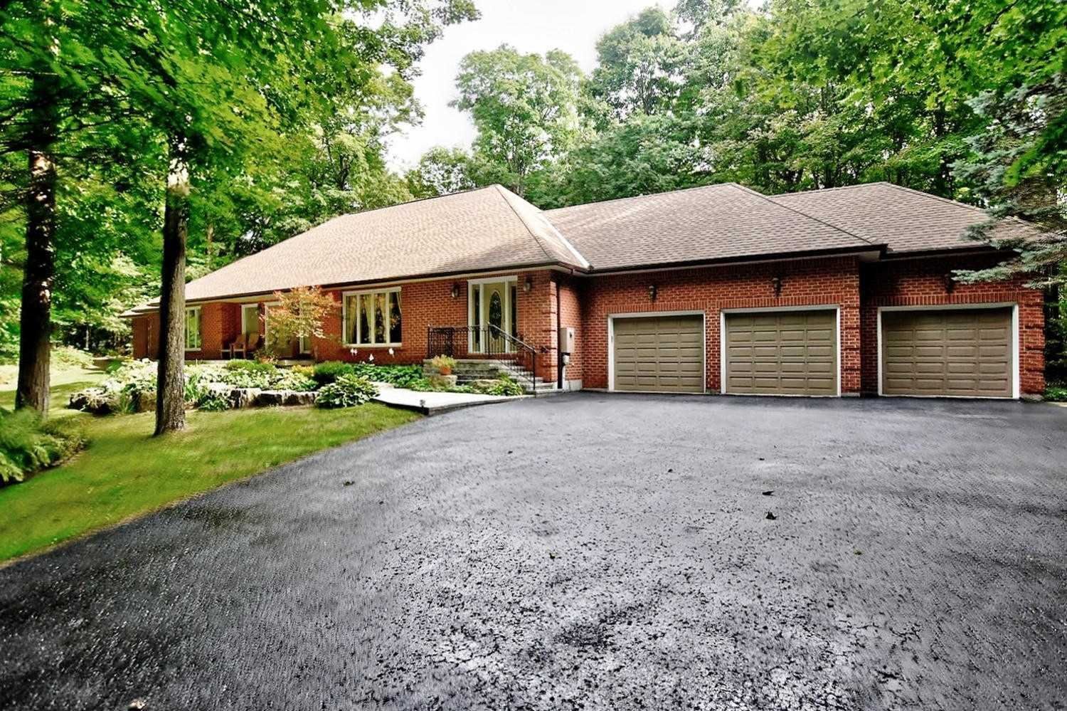 22 Hill Country Dr, Whitchurch-Stouffville N4429798