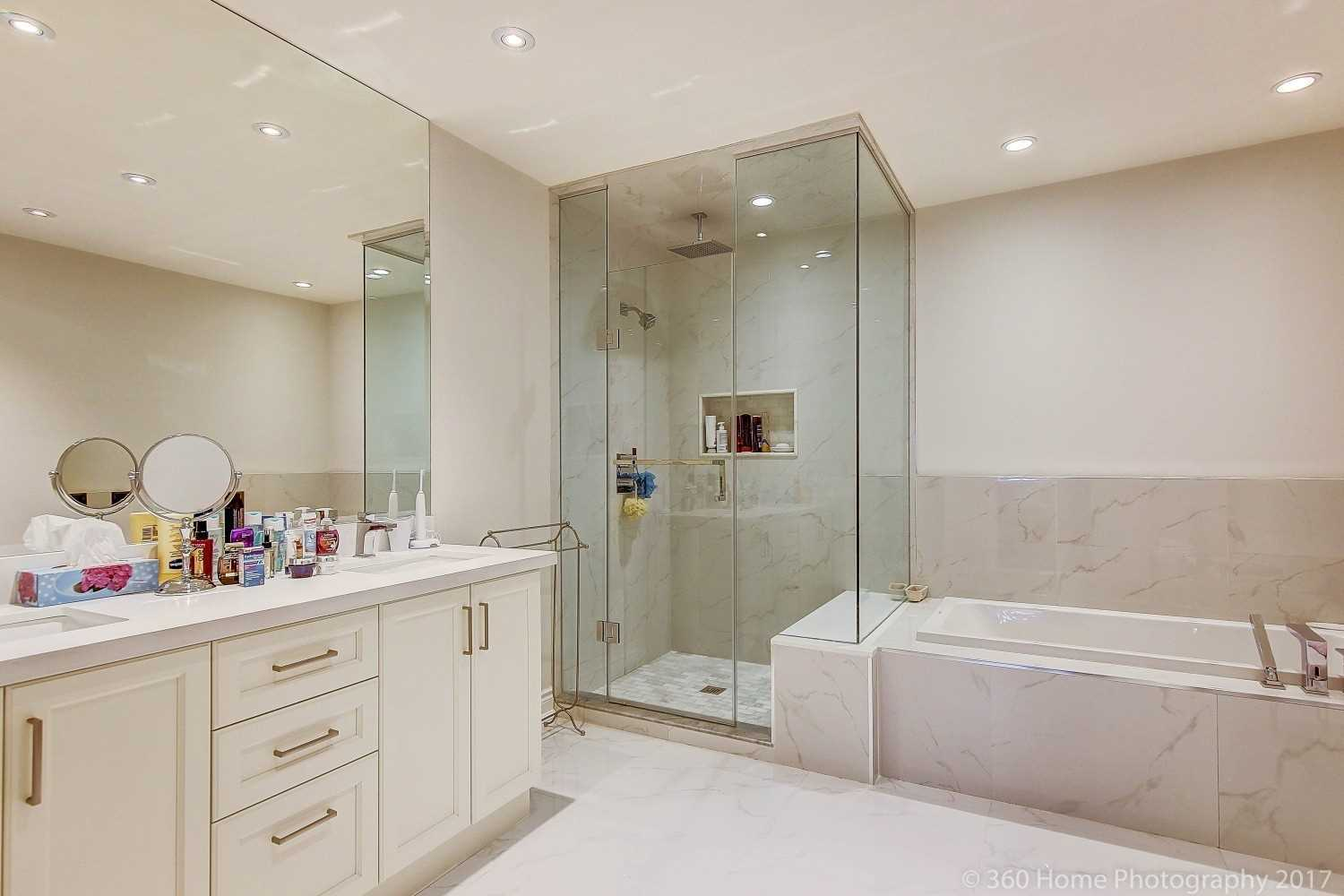 17 Kingsbridge Circ, Vaughan N4477537
