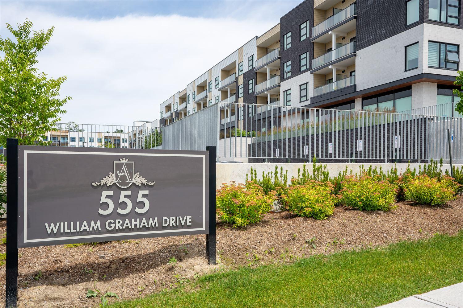 #114 - 555 William Graham Dr, Aurora N4518711