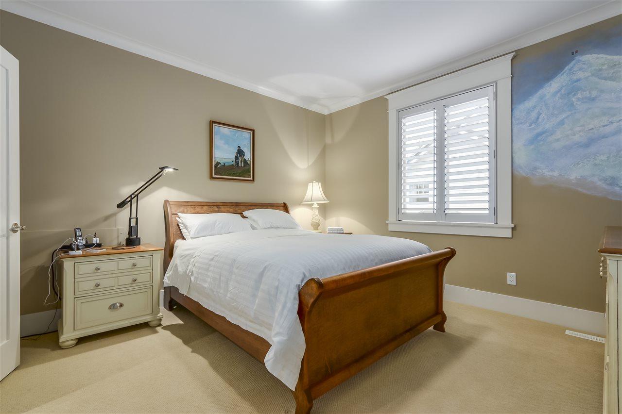 13641 20 Avenue, Surrey R2331234