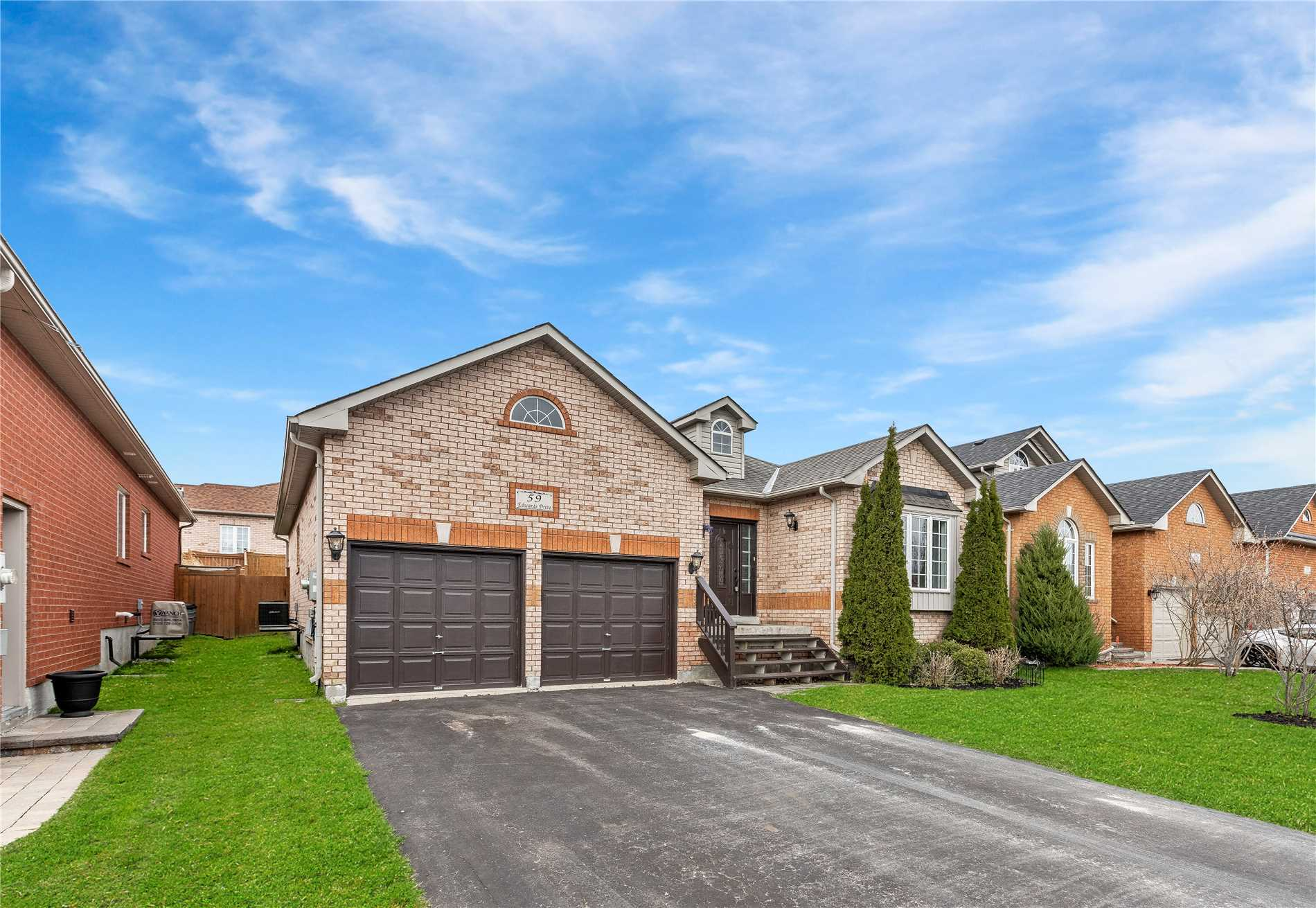 59 Edwards Dr, Barrie S4441577