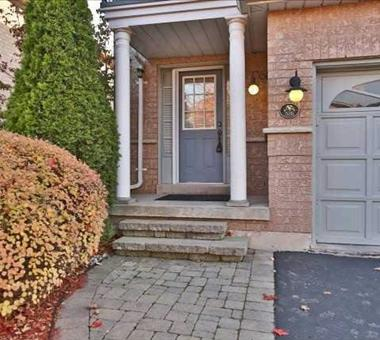 335 Ravineview Way, Oakville W3352439