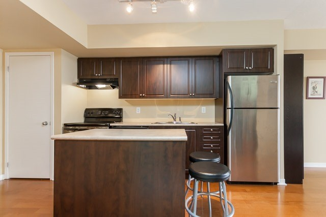 #811 - 1040 The Queensway, Toronto W3522127