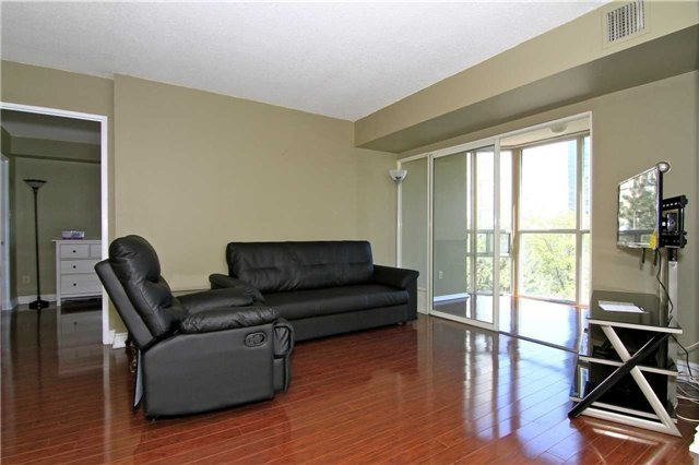#403 - 285 Enfield Pl E, Mississauga W3801740