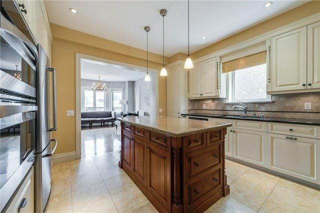 16 Statler Ave, Toronto W3816109