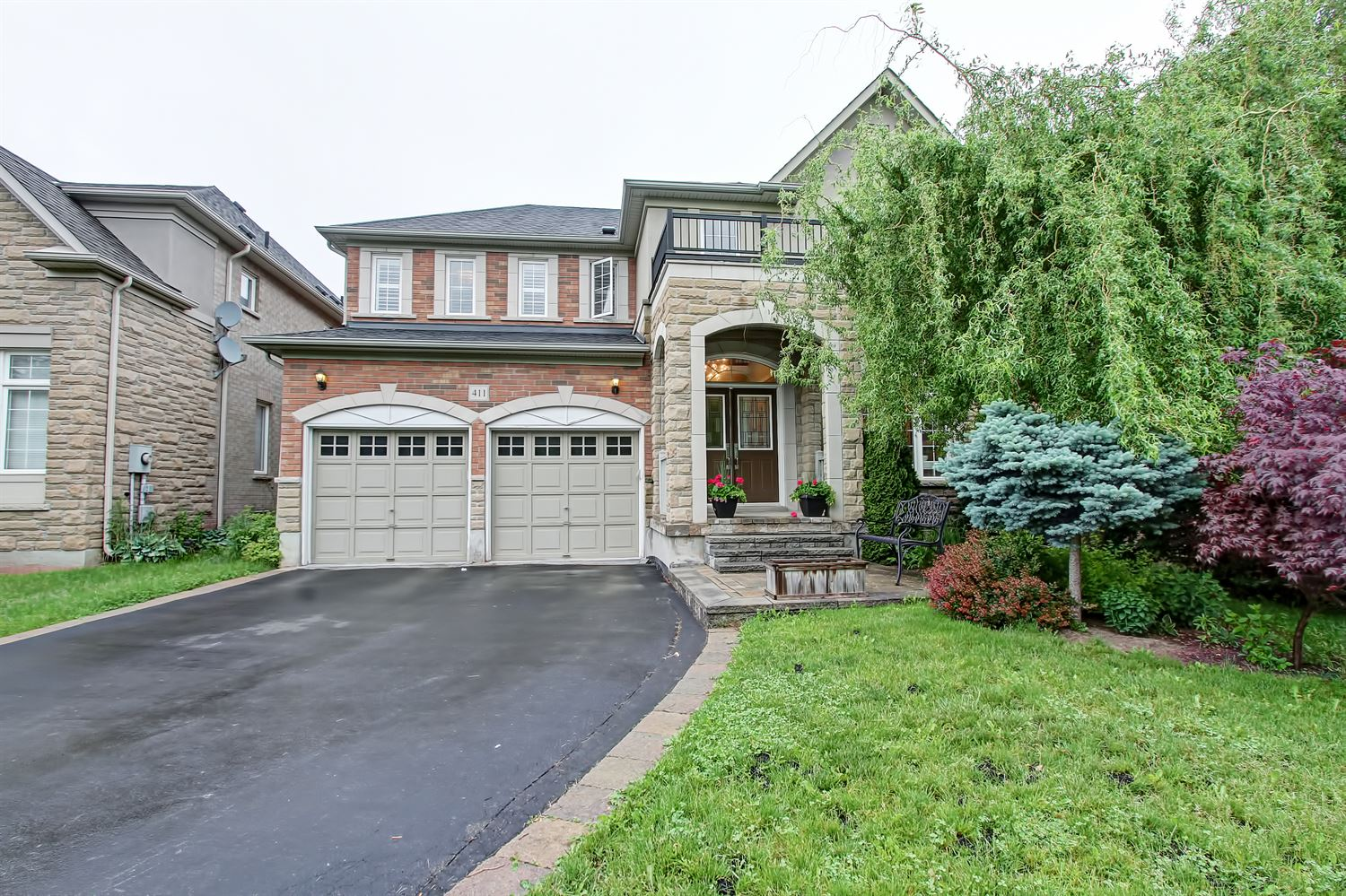 411 Burloak Dr, Oakville W3833851