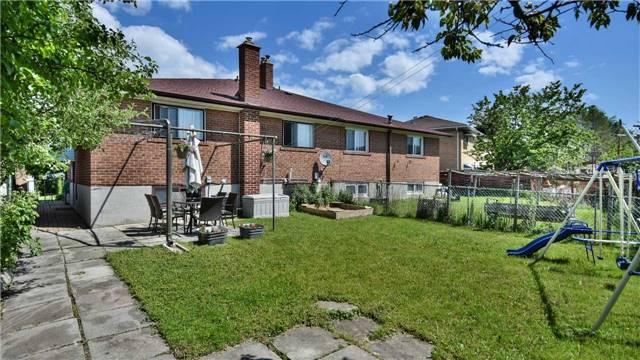 5 Lucinda Crt, Toronto W3839558