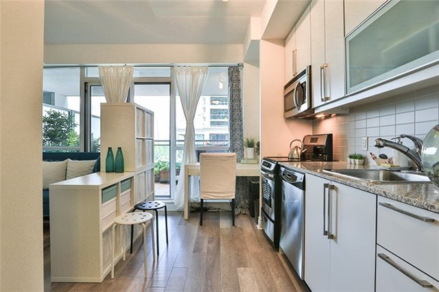 #204 - 16 Brookers Lane, Toronto W3874054