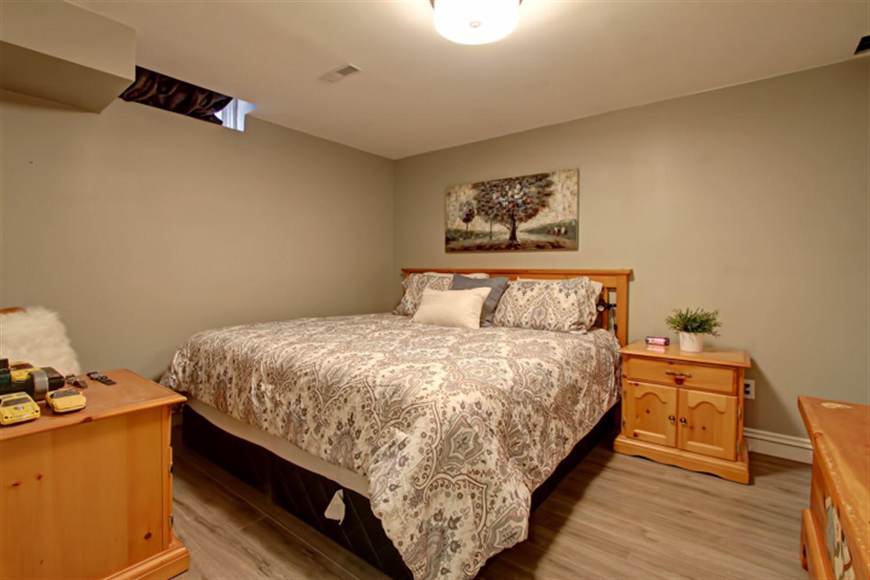 583 Beaver Crt, Milton W3889405