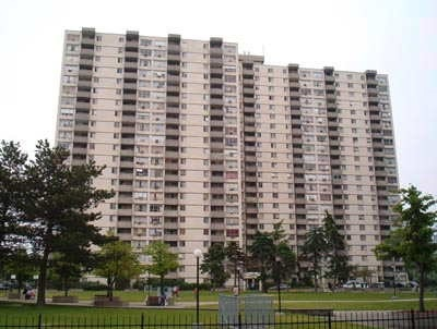 #802 - 320 Dixon Rd, Toronto W3910271
