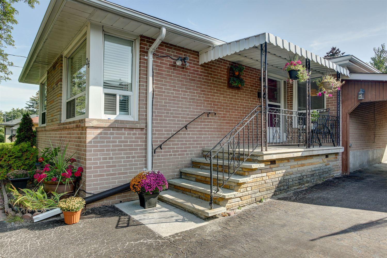 26 Hardwick Crt, Toronto W3943418