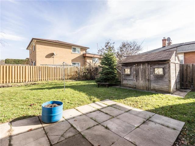 99 Highland Hill, Toronto W3988320