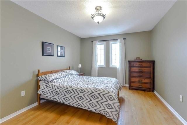 816 Nolan Rd, Mississauga W4026466
