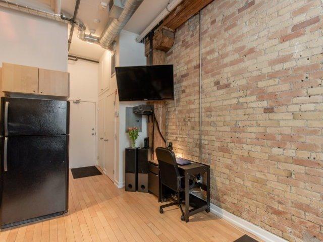 #104 - 27 Brock Ave, Toronto W4040561