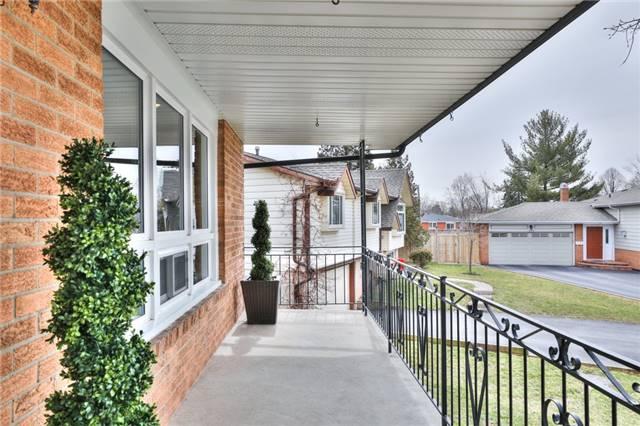 443 Bower Crt, Burlington W4093768