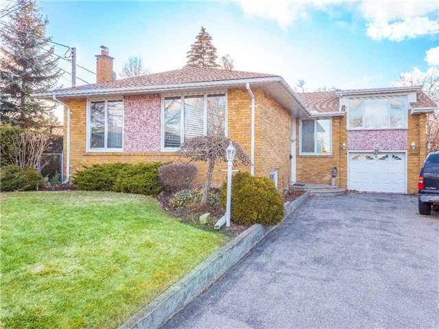 7 Cramond Crt, Toronto W4095047