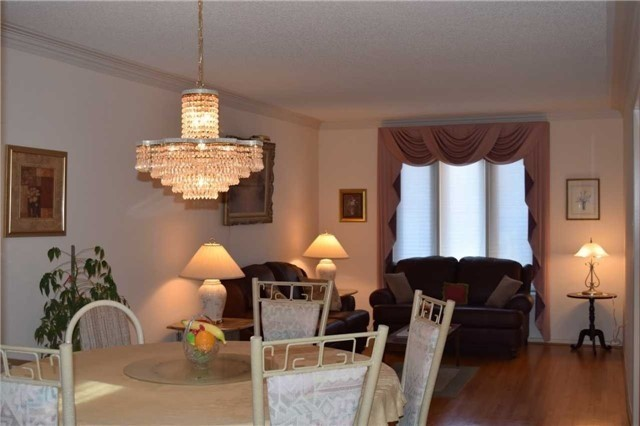 6197 Kisby Dr, Mississauga W4104988