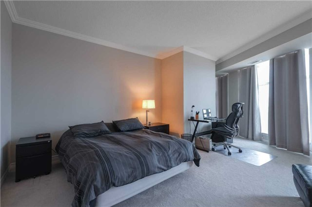 #201 - 2067 Lake Shore Blvd W, Toronto W4123612