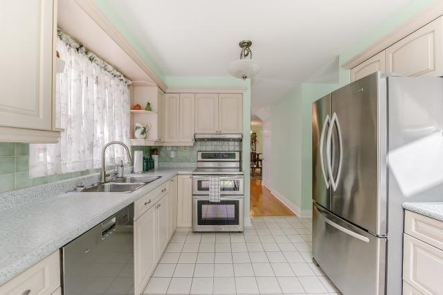 56 Standish St, Halton Hills W4204386