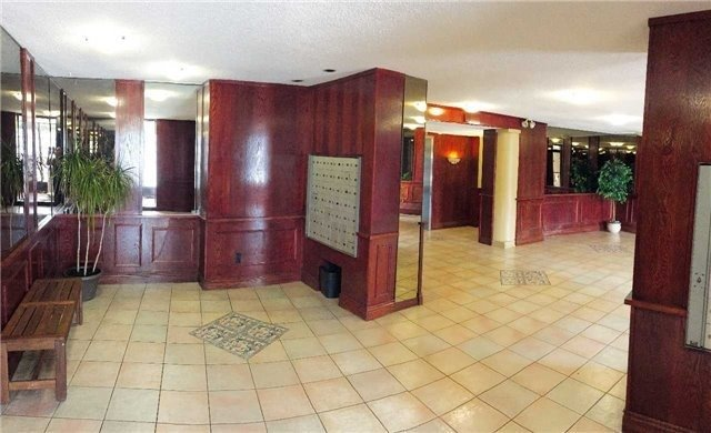 #1101 - 3145 Queen Frederica Dr, Mississauga W4232957