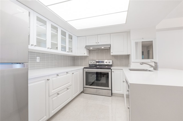 #808 - 1155 Bough Beeches Blvd, Mississauga W4244296