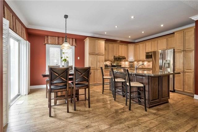 2490 Hertfordshire Way, Oakville W4264439