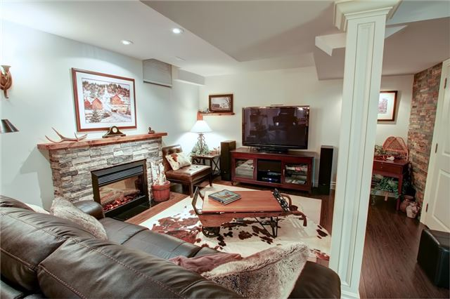 363 Barondale Dr, Mississauga W4300709