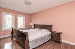 1571 Hollywell Ave, Mississauga W4321601
