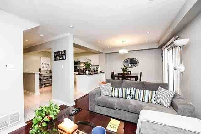 77 Brisbane Crt, Brampton W4330016