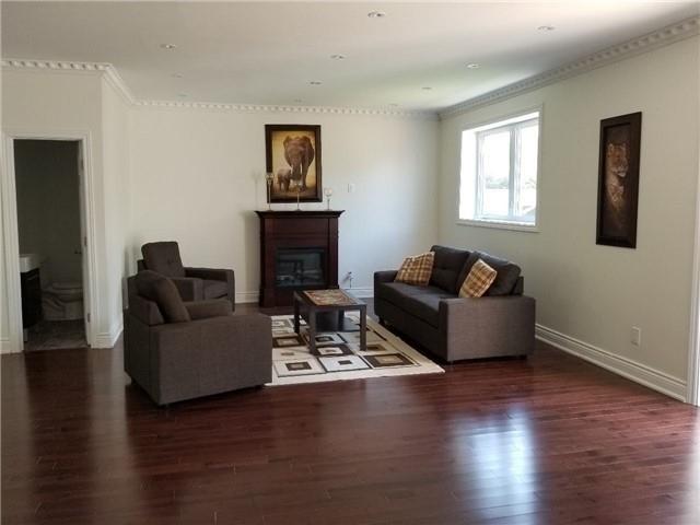 228 Hallmark Ave, Toronto W4334559