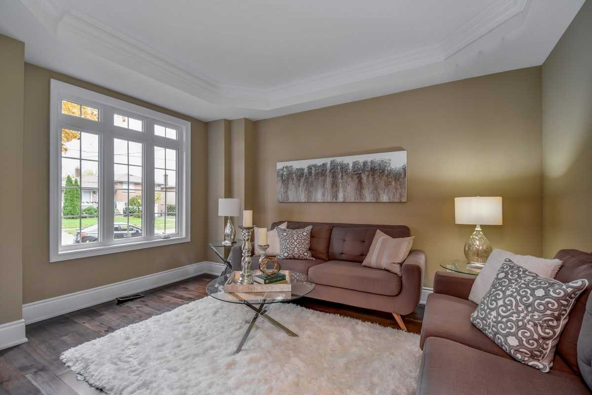 1345 Strathy Ave, Mississauga W4337547