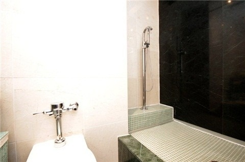 #907 - 965 Inverhouse Dr, Mississauga W4350494