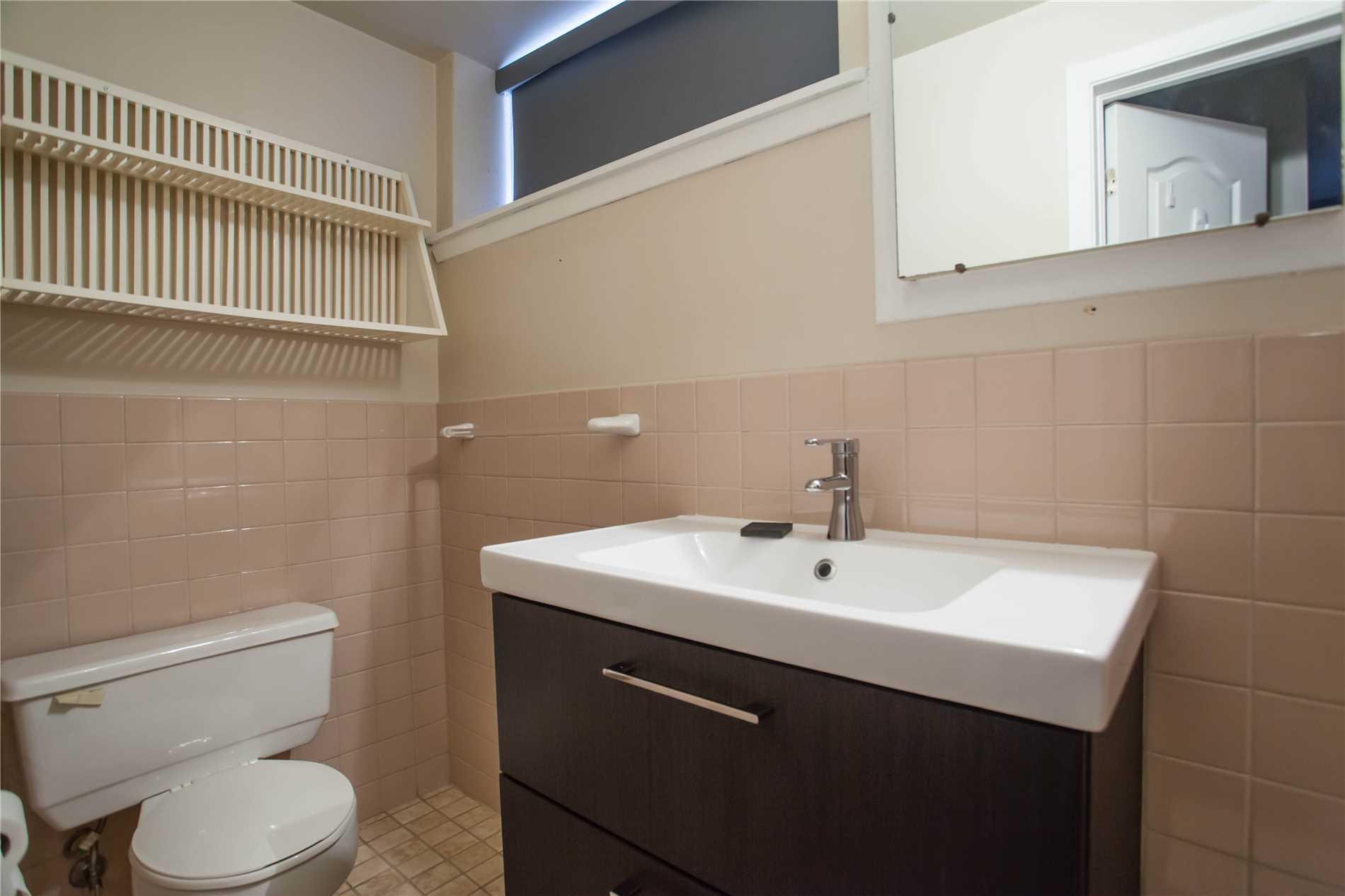 39 Del Ria Dr, Toronto W4351313